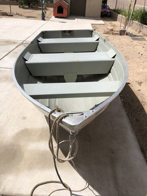 12' Lowe boat for Sale in Albuquerque, NM