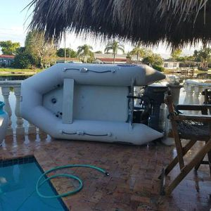 inflatable boat with suzuki engine for Sale in Miami, FL