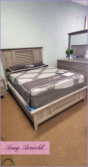 Four Piece Queen Bedroom Set for Sale in Buckeye, AZ