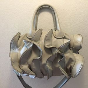 NEW with no tag Steve Madden Ruffled Crossbody Bag for Sale in La Habra, CA