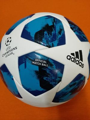 ORIGINAL BRAND NEW 2019!!! MODEL CHAMPIONS LEAGUE FIFA APPROVED OFFICIAL MATCH BALL SIZE 5 for Sale in Annandale, VA