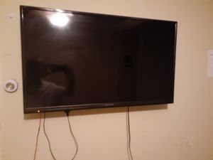 40 inc full hd tv for Sale in Chicago, IL