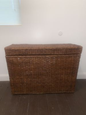 4ft long wicker basket, laundry container storage for Sale in Chicago, IL