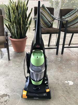 Bissell vacuum good condition for Sale in Chino, CA
