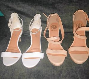 (2) women's dress shoes size 8 1/2 Excellent condition worn once for Sale in Port Neches, TX