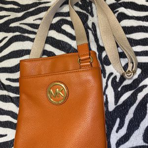 Michael Kors Satchel Hand Bag for Sale in Miami, FL