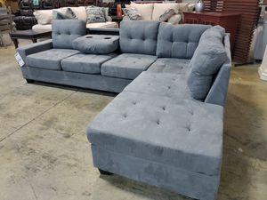 Reversible Chaise Sectional for Sale in La Vergne, TN