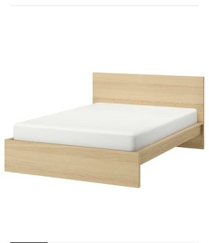 Queen size bed frame for Sale in Ceres, CA
