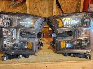 2016 FORD F150 xlt original headlights. for Sale in Eighty Four, PA