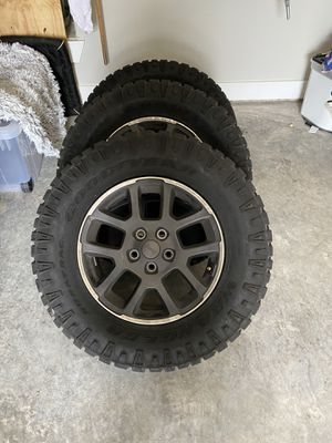 Jeep wheels and tires for Sale in DeSoto, TX
