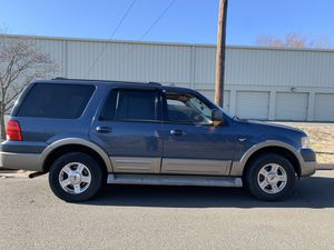 2004 Ford Expedition Edie Bauer 4x4 for Sale in East Hartford, CT