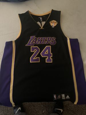 Kobe Lakers Jersey size XL for Sale in Santa Ana, CA