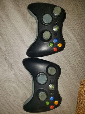 Xbox 360 Controllers and Turtle Beach Headset for Sale in Bedford Hills, NY