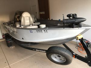 16.5 fishing and ski boat for Sale in Chandler, AZ