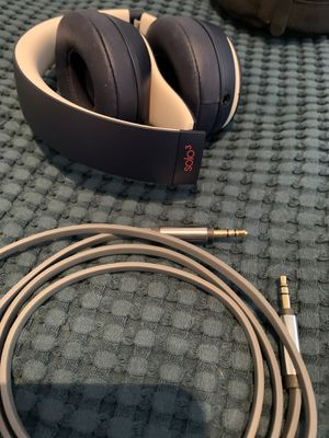 Beats solo3 wireless headphones with extra wired cable for Sale in Opa-locka, FL