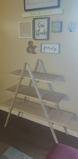 A frame ladder shelf for Sale in Lemoore, CA
