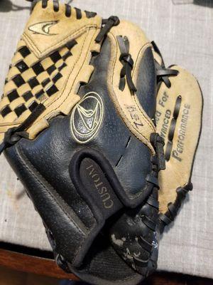 "10.5"" kids baseball glove broken in for Sale in Downey, CA"