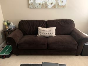Brown couch for Sale in Fullerton, CA