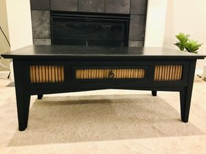 Coffee table for Sale in Sherwood, OR