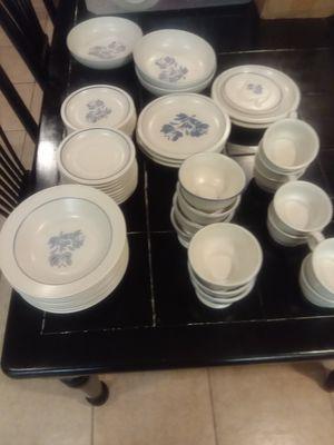 46 Pieces. Pfaltzgraff YORKTOWNE. $60 obo for Sale in Apopka, FL