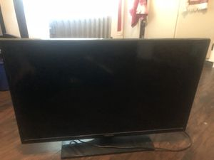 32 inch Samsung flat screen tv, have remote also for Sale in Attleboro, MA