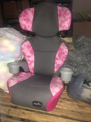 Girls car seat for Sale in Saylorsburg, PA