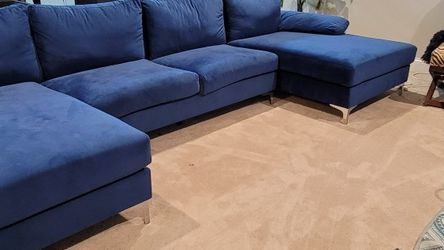 Sleek Modern Double Chase Sofa Like New! for Sale in Bolingbrook,  IL