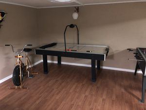 Air hockey table for Sale in Norwood, NJ