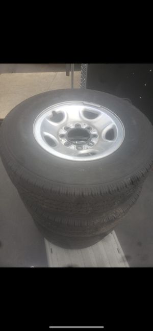 4 factory Chevy 2500hd or 3500hd wheels and tires for Sale in Lynnwood, WA