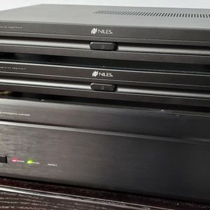 NILES Power AMPLIFIERS: SI-1230, SI-2100 for Sale in Burbank, CA