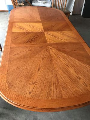 Dinner table for Sale in Prineville, OR