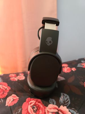 Skullcandy Crusher Bluetooth Headphones for Sale in Delaware, OH