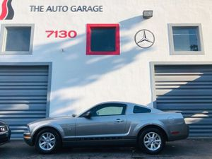 2009 Ford Mustang for Sale in Miami, FL