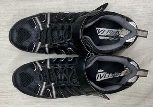 Specialized Tahoe Sport mountain biking shoes for Sale in Las Vegas, NV
