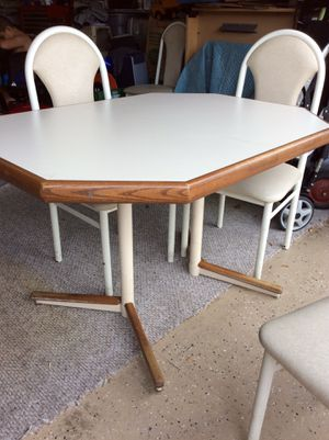 Kitchen Table & chair set for Sale in Clermont, FL