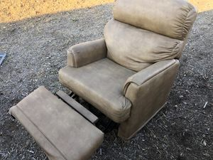 Swivel recliner soft chair free for Sale in Acton, CA