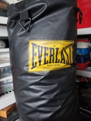 Punching Bag 100 lb for Sale in Miami, FL