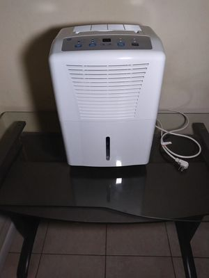 DEHUMIDIFIER - 30 PINT - GE Appliances for Sale in Fort Lauderdale, FL