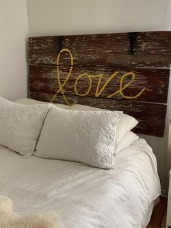 Reversible Barn Door Headboard for Sale in Los Angeles,  CA