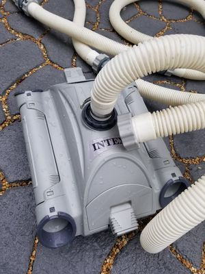 Intex Automatic Pool Cleaner w/ 6.5 m Hose for Sale in Bolingbrook, IL