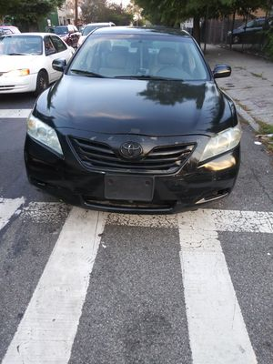 2009 Toyota carmy 165k miles. Black for Sale in Jamaica, NY