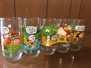 Vintage McDonald's complete set of 5 Peanuts Camp Snoopy Collection Glasses for Sale in Sumner, TX