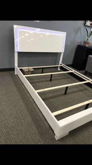 New White Bed Frame : Twin / Full / Queen / King / Cal King : Mattress Set Sold Separately : Box Spring Required : Bedroom Set Available for Sale in Oakland, CA