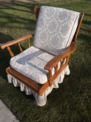 Nice Antique chair for Sale in Fresno, CA