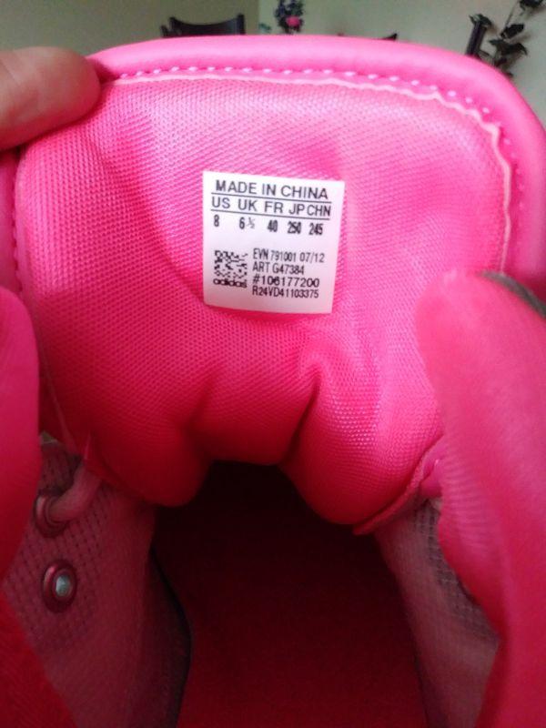 Women's Adidas Roundhouse size 8