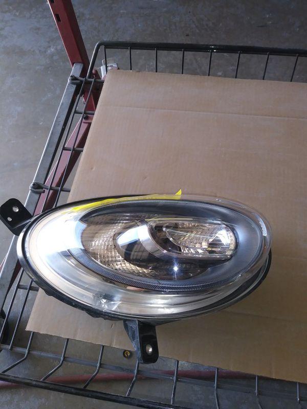 2017 Fiat 500X rh. headlight & turn light