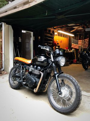 2013 Triumph Bonneville super clean motorcycle for Sale in Los Angeles, CA