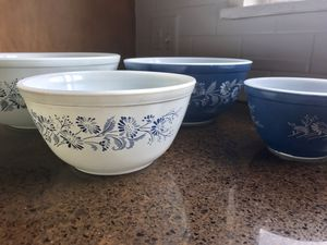 SET of 4 Pyrex mixing bowls! for Sale in Lodi, CA