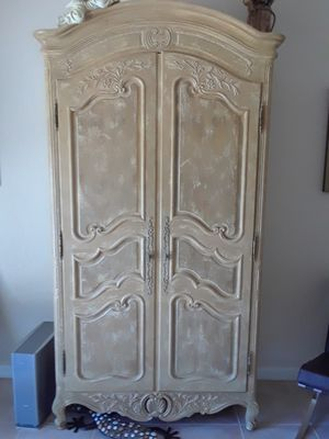 Henredon secretary paid 6500 looking for 3000 firm or best offer beautiful piece of furniture for Sale in Delray Beach, FL