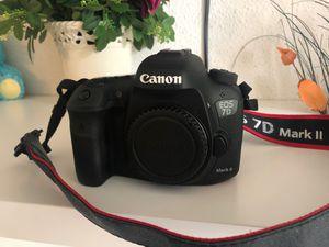 Camera canon EOS 7D Mark II for Sale in SeaTac, WA